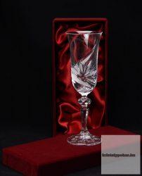 pezsgős kristálypohár díszdobozban